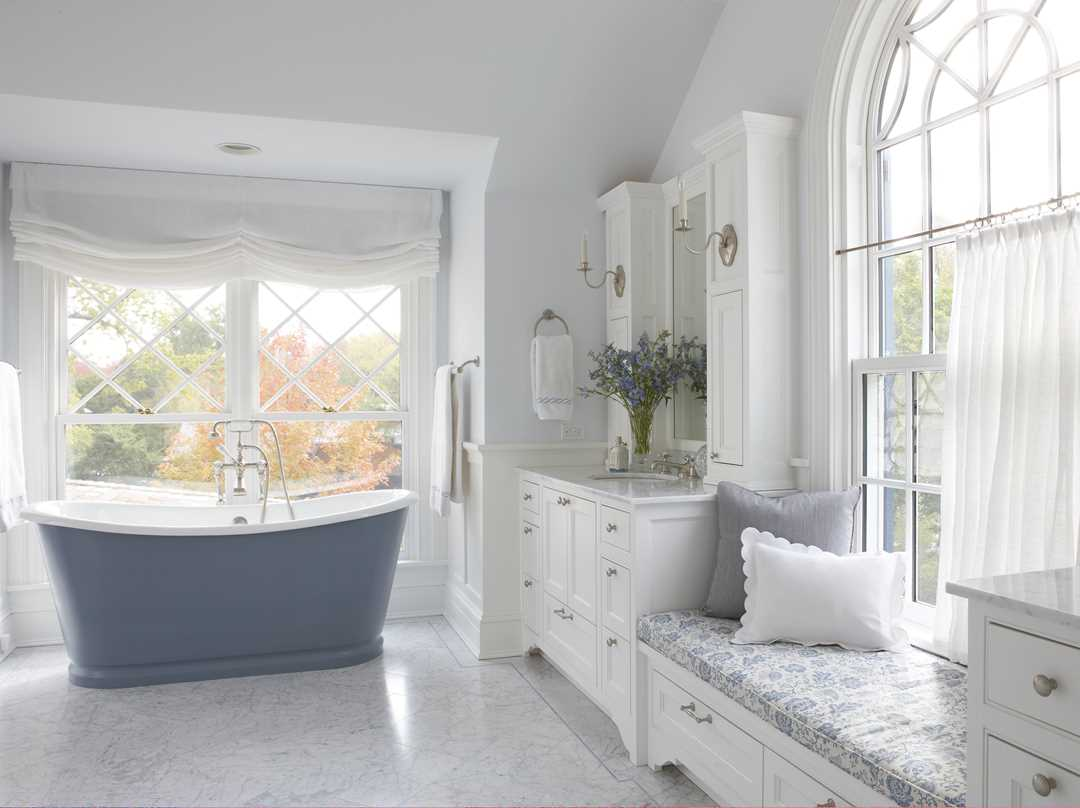 Bathroom with classic bathtub